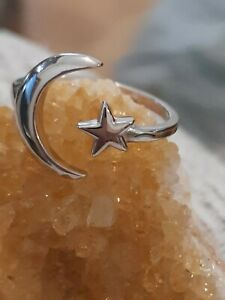BNIB 925 STERLING SILVER MOON AND STAR RING SIZE O
