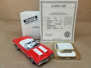 Danbury Mint 1970 Oldsmobile 442 W-30 Convertible 1/24 Die-cast with Box & Title