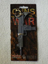GUNS OF WAR KEYRING KEYCHAIN - 9mm SUBMACHINE GUN BN NR! (NEM50142)