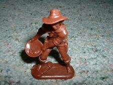 Atlantic 1/32  Gold Rush set - Prospector standing panning for gold  Lot 1