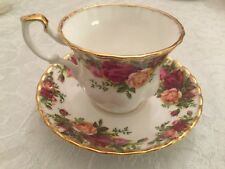 Old Country Roses Made in England Teacup. Beautiful Christmas 🎁