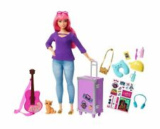 Barbie FWV26 Daisy Doll and Travel Set with Kitten, Luggage, Guitar and Acces...