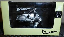 New-Ray Vespa Scooter diecast BEAUTIFUL 150 GS- 1955 Gray Piaggio 1:32 Scale NIB