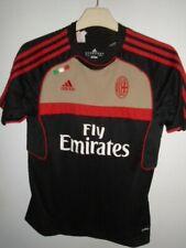 AC Milan 2011 Training shirt  11/12 years