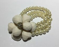 Vintage 50s Style Stretch Bracelet Large Flower Chunky Cream Acrylic Rockabilly