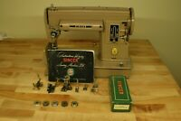 Vintage 1953 Singer 301A Short bed Sewing Machine w/Case. Good working Condition