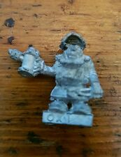 Games Workshop Citadel Miniatures Rare fuera de imprenta 1985 enano ingeniero Oxi/Oxy en cuclillas
