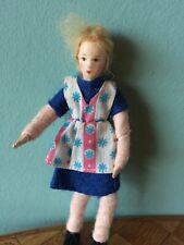 Frau Erna Meyer   Puppenstube Puppenhaus 1:18 dollhouse doll