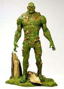 DC UNIVERSE CLASSICS SDCC SWAMP THING WITH BASE MATTEL 2011