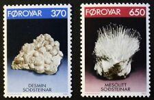 Minerali FRANCOBOLLI, 1992, desmne, mesolite, delle isole Fær Øer, SG RIF: 229 & 230, Gomma integra, non linguellato