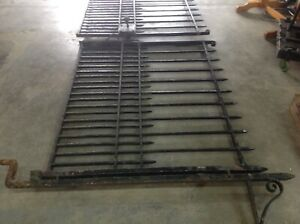 ANTIQUE PAIR HEAVY IRON  METAL DRIVEWAY GATES WITH POSTS & HANDLES