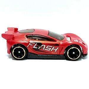 DC Comics THE FLASH Hot Wheels Synkro 2015 Toy Diecast Model Car