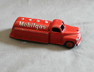Dinky Toys Meccano Studebaker Mobilgas Tanker No 440