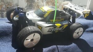 Kyosho Mini Inferno 1:18 ferngesteuerter Buggy 4WD (2009) RTR inkl. Perfex KT-6
