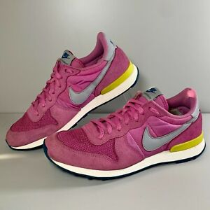 Women's Nike Internationalist Pink Low Top Running Trainers Retro Size UK 8