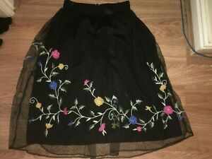 ZARA TRAFALUC WOMENS XS BLACK FLORAL PATTERN CALF LENGTH SKIRT (EX COND)