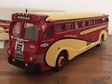 Corgi 98464 Yellow Coach 743 Burlington Trailways Bus 1:50  * BRAND NEW *