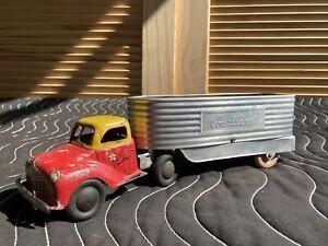 COURTLAND WALT REACH TOY TRUCK & TRAILER Windup Tin Litho Mechanical Vtg Toy