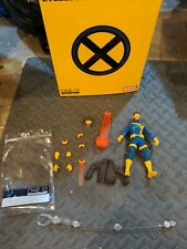 Mezco One:12 Marvel CYCLOPS COMPLETE WITH PACKAGING!