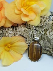 """Golden Tigers Eye Reflective Pendant Necklace Silver Plated 18"""" Chain T-2"""