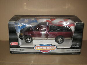 1/18 American Muscle Ertl Collectibles 1997 FORD F-150 XLT