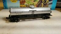 HO Athearn Dept. of Defense 40' tank car rtr series metal wheels, new old stock