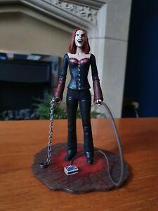 Buffy the Vampire Slayer: Vampire Willow Exclusive Diamond Select Figure