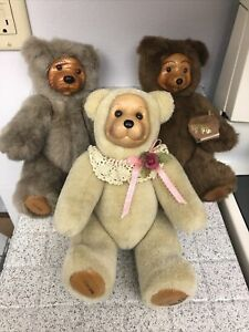 Robert Raikes lot of 3 collectible bears 1 is limited edition - Good Condition -