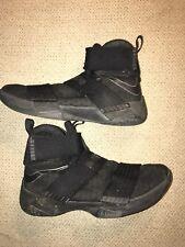 5d9211e66a9a Nike LeBron Soldier 10 Triple Black 844374-001 Sz 11.5 Mens Shoes Basketball