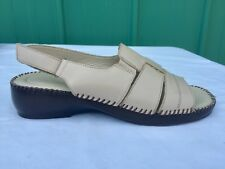 NATURALIZER Rochelle Beige Leather Sandals Women's Size 7.5 M Fast Shipping