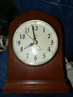 Vintage Seth Thomas Cardinal Dialite Model No. 6801 Electric Clock works