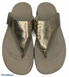 Fitflop Womens 9 Gold Snake Print Thong Sandals Flip Flop Wedge Comfort