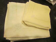 6 anciennes serviettes a thé et nappe broderie ajourée monogramme MD jaune pale