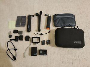 GoPro HERO7 Action Camera - Black accessories bundle
