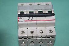 Disjoncteur 400V  4p D32 legrand 06676  066 76