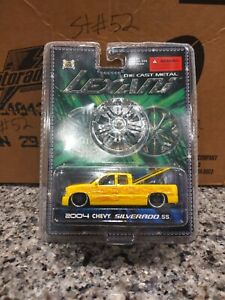 LEXANI TOYS 2004 (YELLOW) CHEVY SILVERADO SS DIECAST METAL NEW