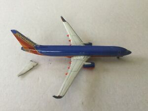 GeminiJets   Southwest   B737-800  N8302F  GJSWA1219  1:400 Scale Diecast Model