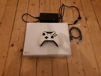 "Xbox One  ""I Made this"" Launch Team Konsole mit Controller"