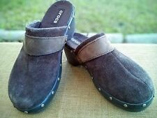 Crocs Brown Suede Leather Womens Mules / Clogs / Rubber Sole Size 8 EUC