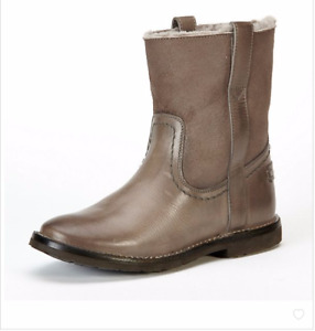 "NIB New Women's Frye Celia"" Short Shearling Boots Charcoal Size 6.5,7"