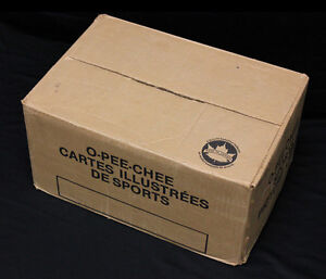 1985-86 O-Pee-Chee Hockey Bulk/Cut Card Sealed Vending Case. 8650 cards 32+ sets
