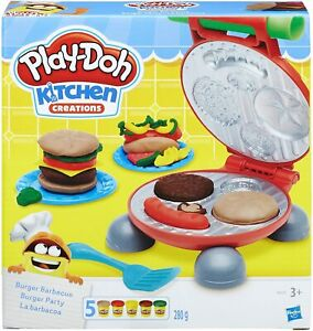 Play-Doh Kitchen Creations Burger Barbecue Set with 5 Colors