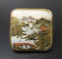 FINE ANTIQUE JAPANESE SATSUMA HANDPAINTED BELT BUCKLE SILVER BACKED SIGNED