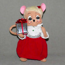 """New listing Annalee Doll Christmas #06 Vintage 2013 Mouse w/ Present Girl 8"""" Usa Seller"""