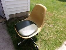 Vintage Herman Miller Office Chair Eames Upholstered Shell Swivel Caster