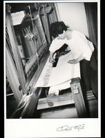 UCHIZY (71) TISSERANDE Elisabeth GROZELLIER au METIER à TISSER 1991 ,FAGE 91.365