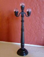 Grandeur Noel Street Lamp Post Victorian Christmas Village  2001 Miniature