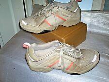 Clarks Baskets à lacets sur le côté Gris GEEM/Daim Tailles UK 6D General Wear/Good Co