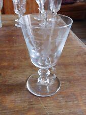 Ancien verre en cristal décor de vigne raisin