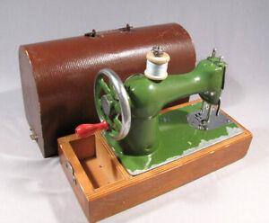 Toy Sewing Machine Stitching Russian Children Box Child Old Vintage Soviet